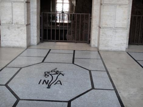 22 shauna panczyszyn rome italy tile in floor